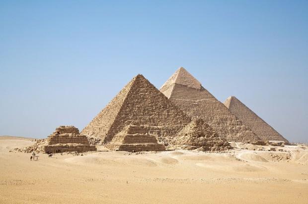 Cenário clássico das pirâmides de Gizé (Crédito: Reprodução)