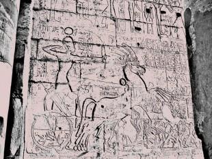 """Ramsés retratado numa pegada """"Desculpa aí que eu sou melhor que o Legolas"""" (Crédito: Reprodução)"""